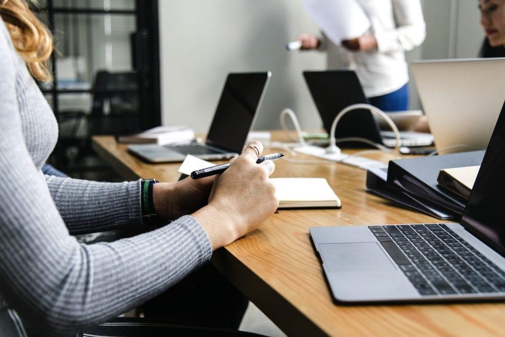 Oczernianie firmy w internecie